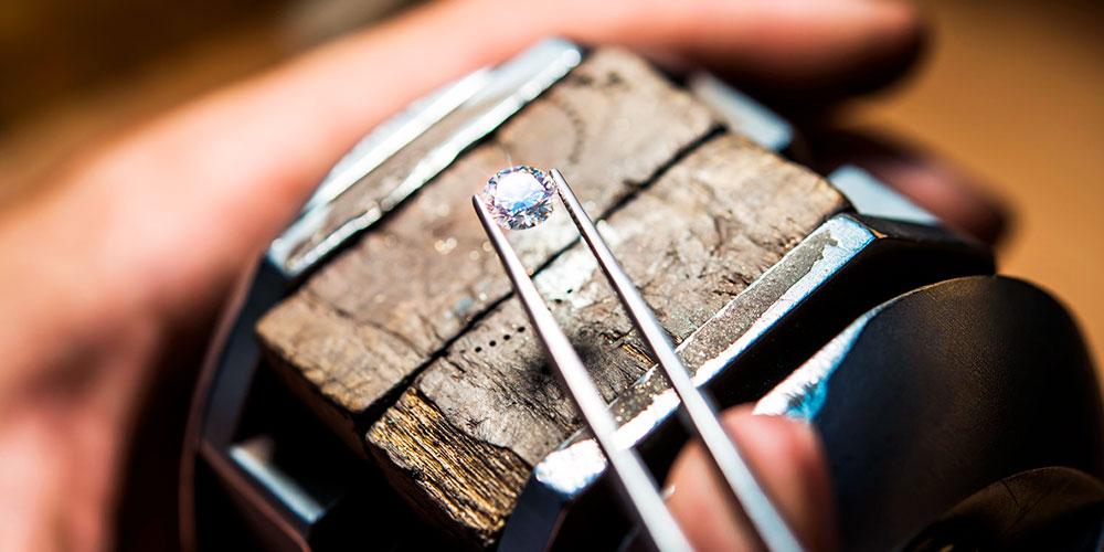 Алмаз для помолвочного кольца