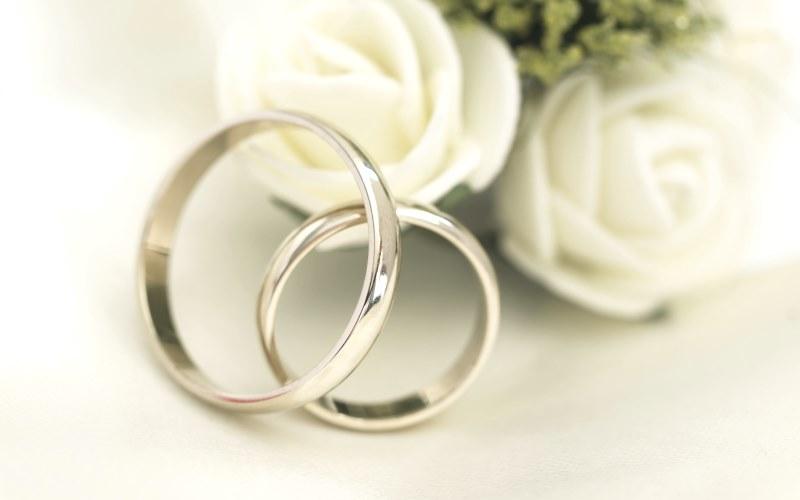Классическое обручальное кольцо фото