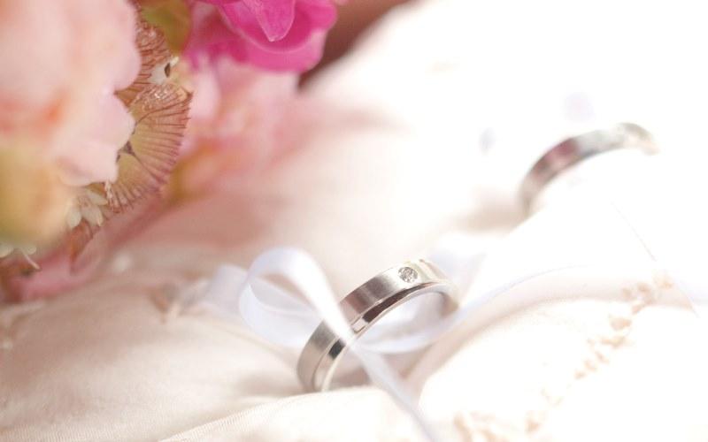 Обручальное кольцо с бриллиантом Киев