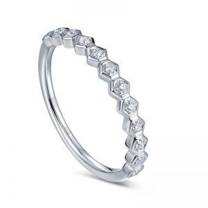 237d38269137 Кольцо с бриллиантом в Киеве, купить золотое кольцо с бриллиантом ...